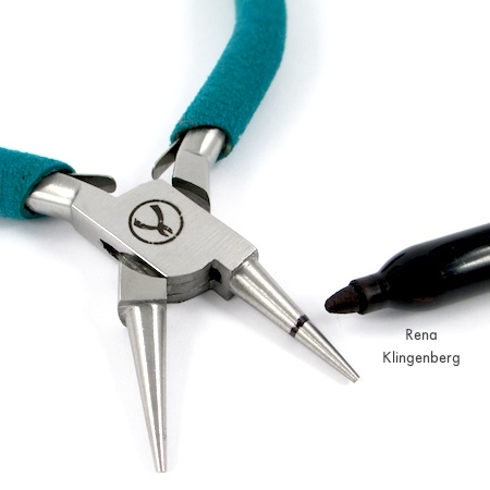 Marking pliers for Spiral Wire Hook Clasp - tutorial by Rena Klingenberg