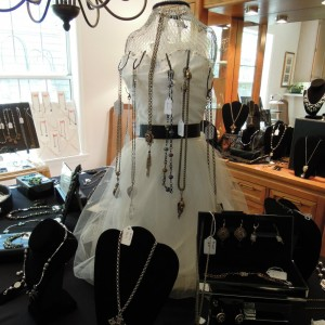 JGlover: My Scarlett Jewelry Display  1