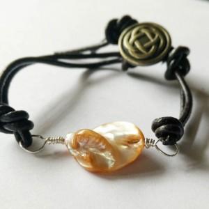 Keishi Freshwater Pearls Leather Bracelet