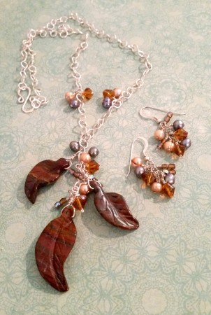 This apple jasper leaves necklace is still one of my favorites. It's my first completely handmade chain.