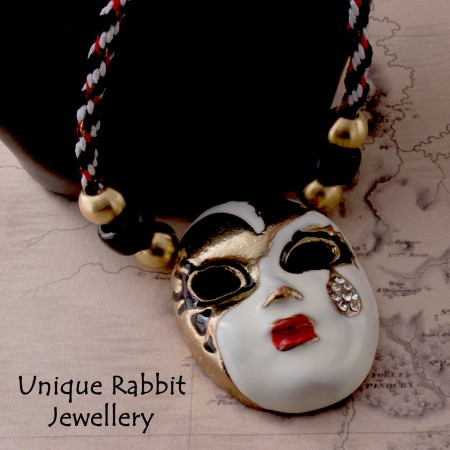Harlequin Necklace by Annie Laughton  - featured on Jewelry Making Journal