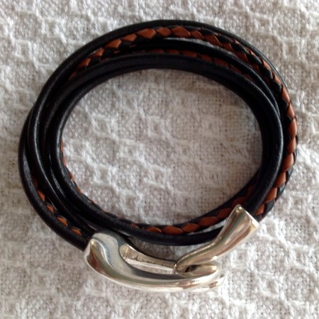 """<img src=""""http://jewelrymakingjournal.com/wp-content/uploads/2015/11/image5-452x392.jpeg"""" alt=""""Help - leather wrap bracelet with hook clasp that doesn't stay fastened"""" width=""""452"""" height=""""392"""" class=""""size-large wp-image-42358"""" /> Close up of problem clasp"""