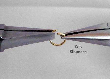 Argola de salto de abertura para brincos Loops & Hoops - Tutorial de Rena Klingenberg