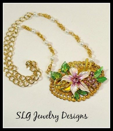 Jewelry Photography Made Easy by Shari Lynn Gardner  - featured on Jewelry Making Journal