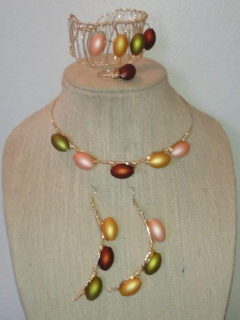 Elegant Necklace Set by Sharon Hamilton  - featured on Jewelry Making Journal