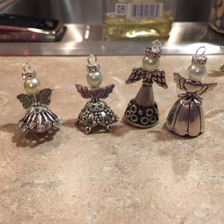 Mickey's Angels, de Colleen - publicado no Jewelry Making Journal