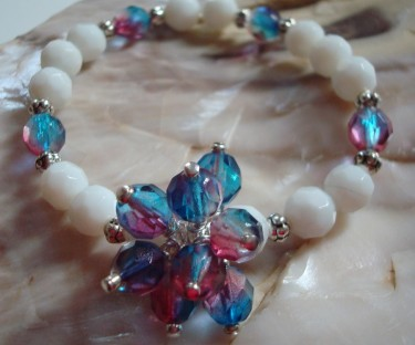 Stretchy Bracelets with a Blossom Center