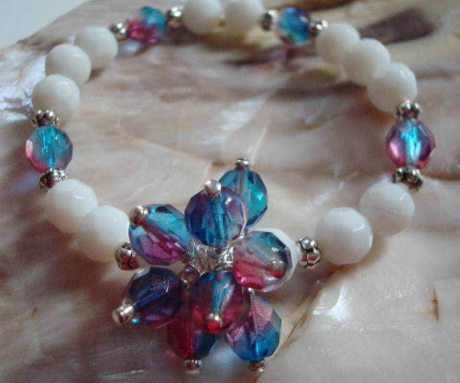 Stretchy Bracelets with a Blossom Center