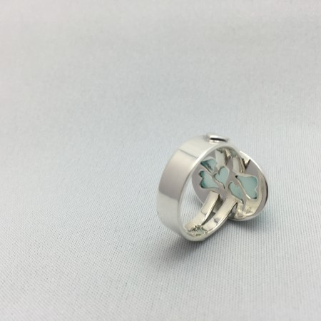 Fretwork on the bezel cup - Hand Fabricated Sterling Silver Ring by Monica Gennaro  - featured on Jewelry Making Journal