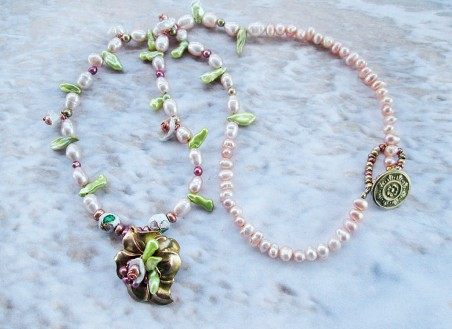 Pearlflower Necklace by Jackie Locantore  - featured on Jewelry Making Journal
