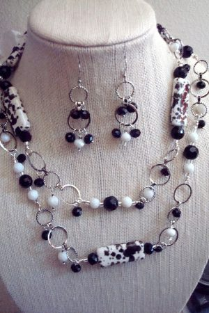 Dangle necklaces by Kathy Zee - Black and White Long Necklace  - featured on Jewelry Making Journal