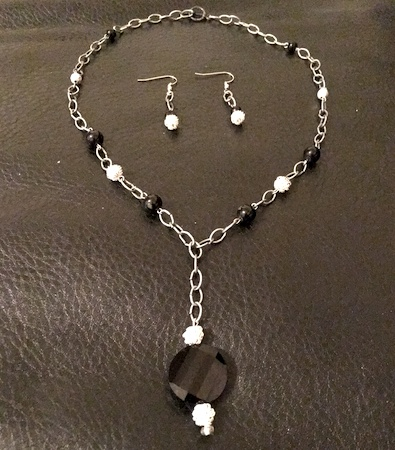 Linked Up Necklace by Sharanda Person  - featured on Jewelry Making Journal