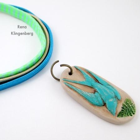 Anexando o anel de salto para a pulseira Easy Multi Wrap - Tutorial de Rena Klingenberg