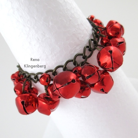 Jingle bell cha-cha bracelet, Jingle Bell Jewelry Set - Tutorial by Rena Klingenberg