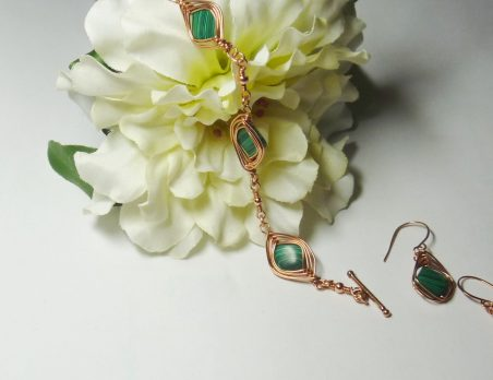 Wire Herringbone Bracelet and Earrings by Donna Westbrook  - featured on Jewelry Making Journal