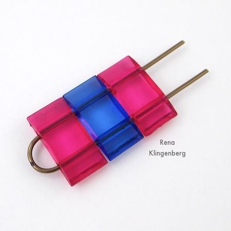 Adicionando contas a brincos com contas de dois furos - Tutorial de Rena Klingenberg