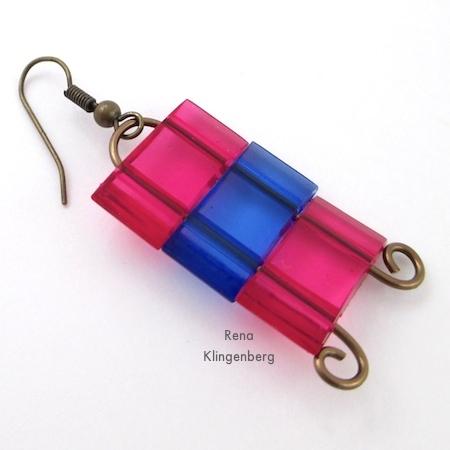 Colocando fios de orelha em brincos com contas de dois furos - Tutorial de Rena Klingenberg