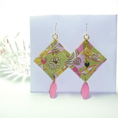 Geometric shaped fabric earrings by Donna Westbrook  - featured on Jewelry Making Journal