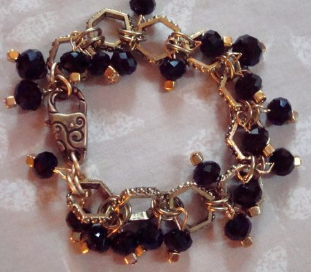 Bracelet by Kathy Zee  - featured on Jewelry Making Journal