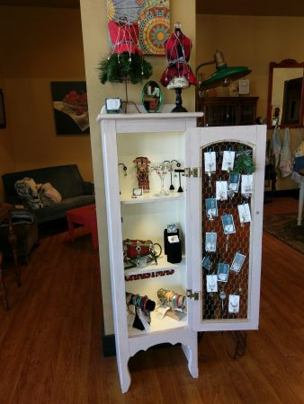 Christmas Jewelry Display by Chris Rehkop  - featured on Jewelry Making Journal