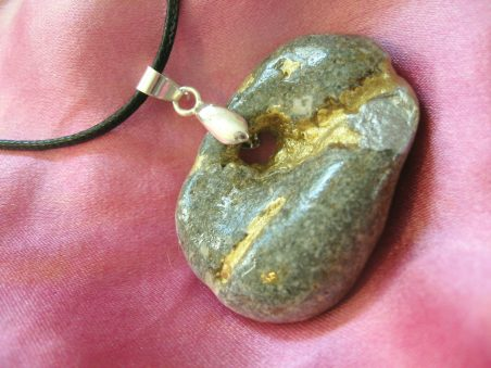 Kintsugi-Inspired Beach Stone Necklace by Tamara Summers  - featured on Jewelry Making Journal
