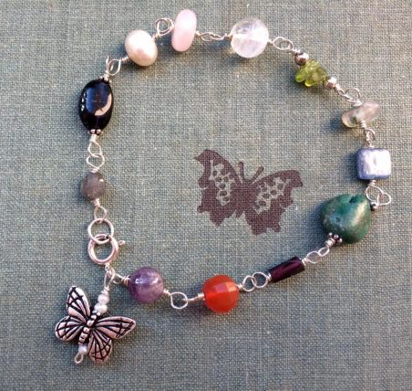 Recovery Bracelet by Liz Juneau  - featured on Jewelry Making Journal