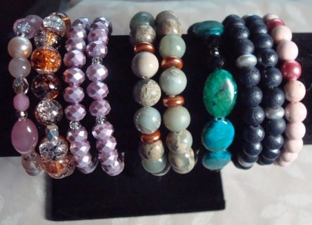 Stretchy Bracelets with Glass Beads by Kathy Zee  - featured on Jewelry Making Journal