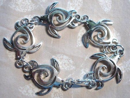 Silver Turtle Link Bracelet by Kathy Zee  - featured on Jewelry Making Journal
