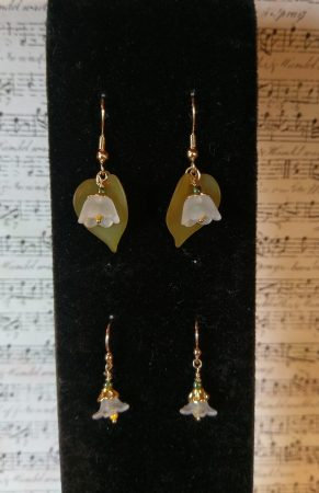 Lily and White Floral Earrings by Chris Rehkop  - featured on Jewelry Making Journal
