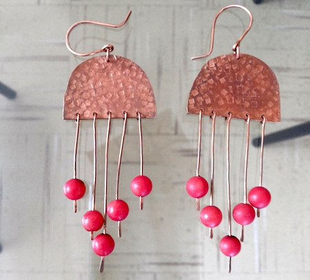 Earrings by María Antonieta Calabacero  - featured on Jewelry Making Journal