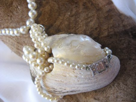 Giving Shells Back Their Pearls by Tamara Robertson  - featured on Jewelry Making Journal