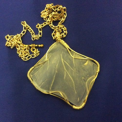 Broken Plate Pendant by Miriam Laister  - featured on Jewelry Making Journal