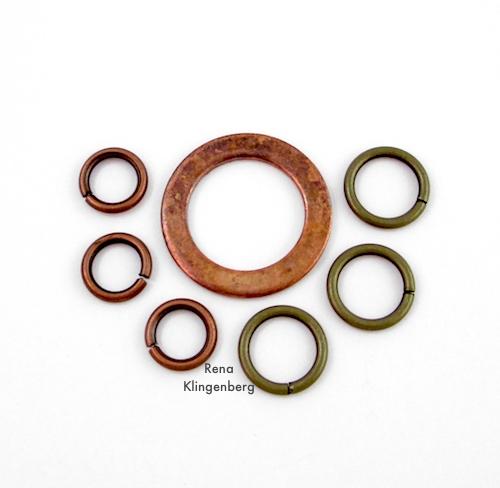 Tutorial de pulseira de corrente de metal resistente mista por Rena Klingenberg - arruela e anéis de salto