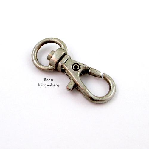 Tutorial de presilha para pulseira de corrente de metal resistente, por Rena Klingenberg