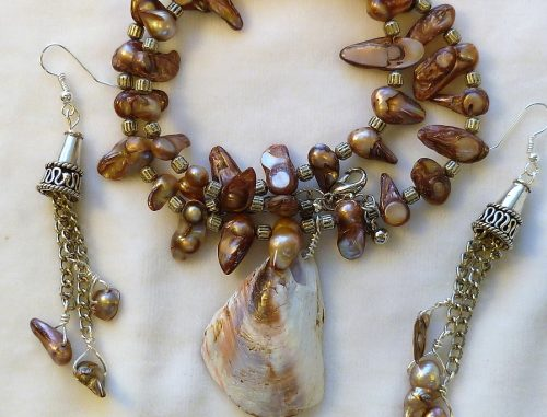 Seashell Necklace by Charlene Thiessen  - featured on Jewelry Making Journal