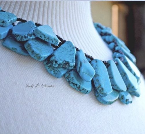 Turquoise magnesite jewelry by Lindy Hartig  - featured on Jewelry Making Journal