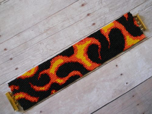 """Going Outside My """"Color Box"""" with Peyote Stitch, by Holly Kurzman  - featured on Jewelry Making Journal"""