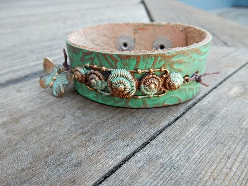 Painting Leather by Lynda Carson  - featured on Jewelry Making Journal