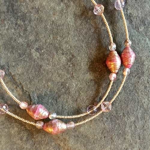 Glass-Like Paper Beads by Lynda Evans  - featured on Jewelry Making Journal