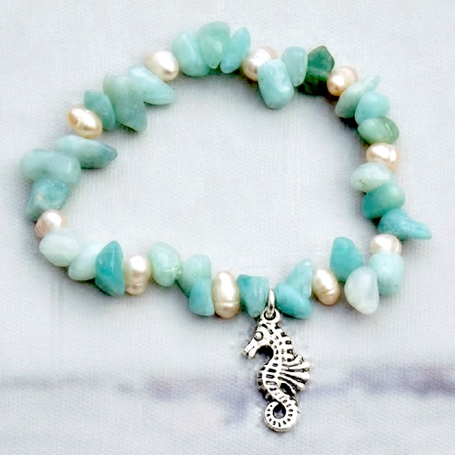 Seahorse Bracelet by Daisy  - featured on Jewelry Making Journal