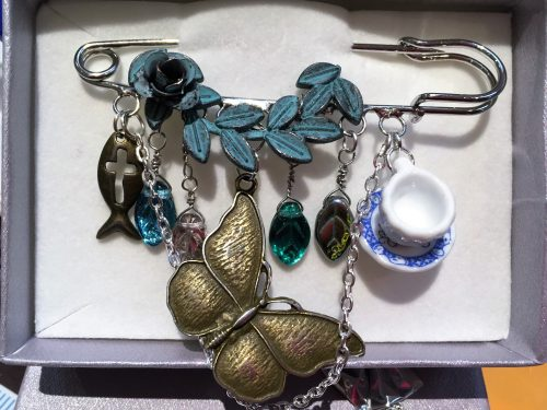 Shawl Pins by Michelle Bates  - featured on Jewelry Making Journal