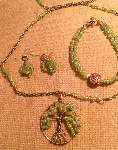 Tree of Life Jewelry Set by Linda Lohraff  - featured on Jewelry Making Journal