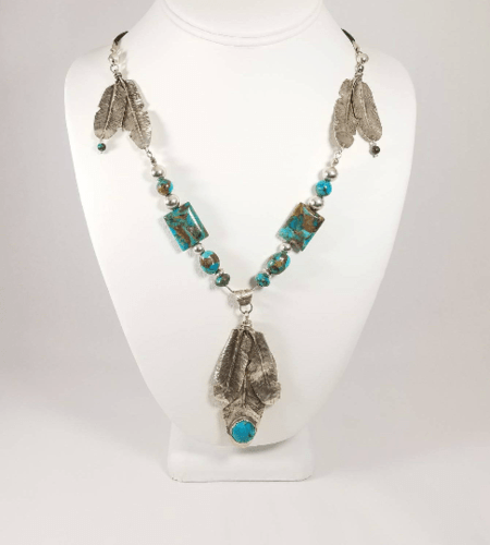 3 Feathers Boho Necklace by Jada