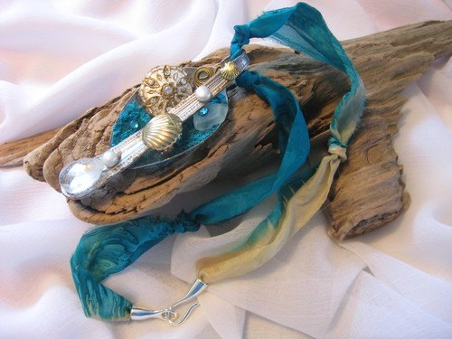 Turquoise Ripped Silk Beachy Jewellery by Tamara Robertson  - featured on Jewelry Making Journal