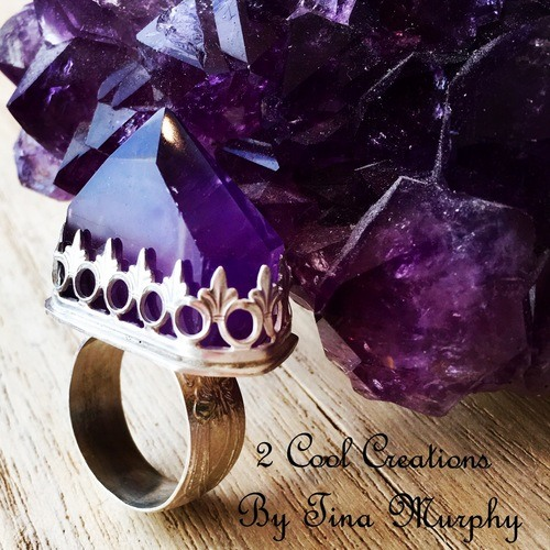 The Queen's Weapon Ring by Tina Murphy  - featured on Jewelry Making Journal