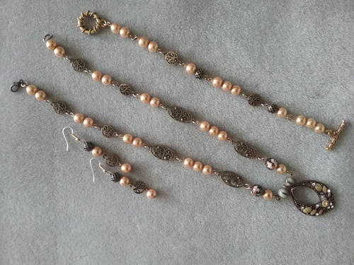 It's All About the Beads by LuElla Spears  - featured on Jewelry Making Journal