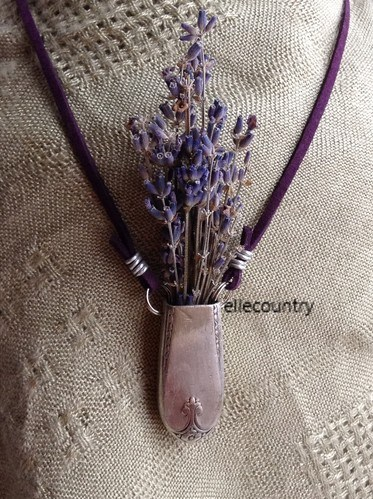 Flower Holder Necklace by Michelle Marson  - featured on Jewelry Making Journal