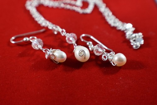 Wedding Pearls Set by Julia Ferry  - featured on Jewelry Making Journal