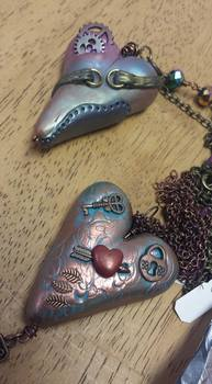 """Teaching """"Mommy & Me Hearts"""" Jewelry Class by Cindi Bernloehr - featured on Jewelry Making Journal"""