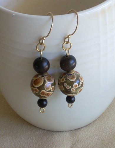 Jewelry That's Easy On...Easy Off by Nancy Vaughan  - featured on Jewelry Making Journal